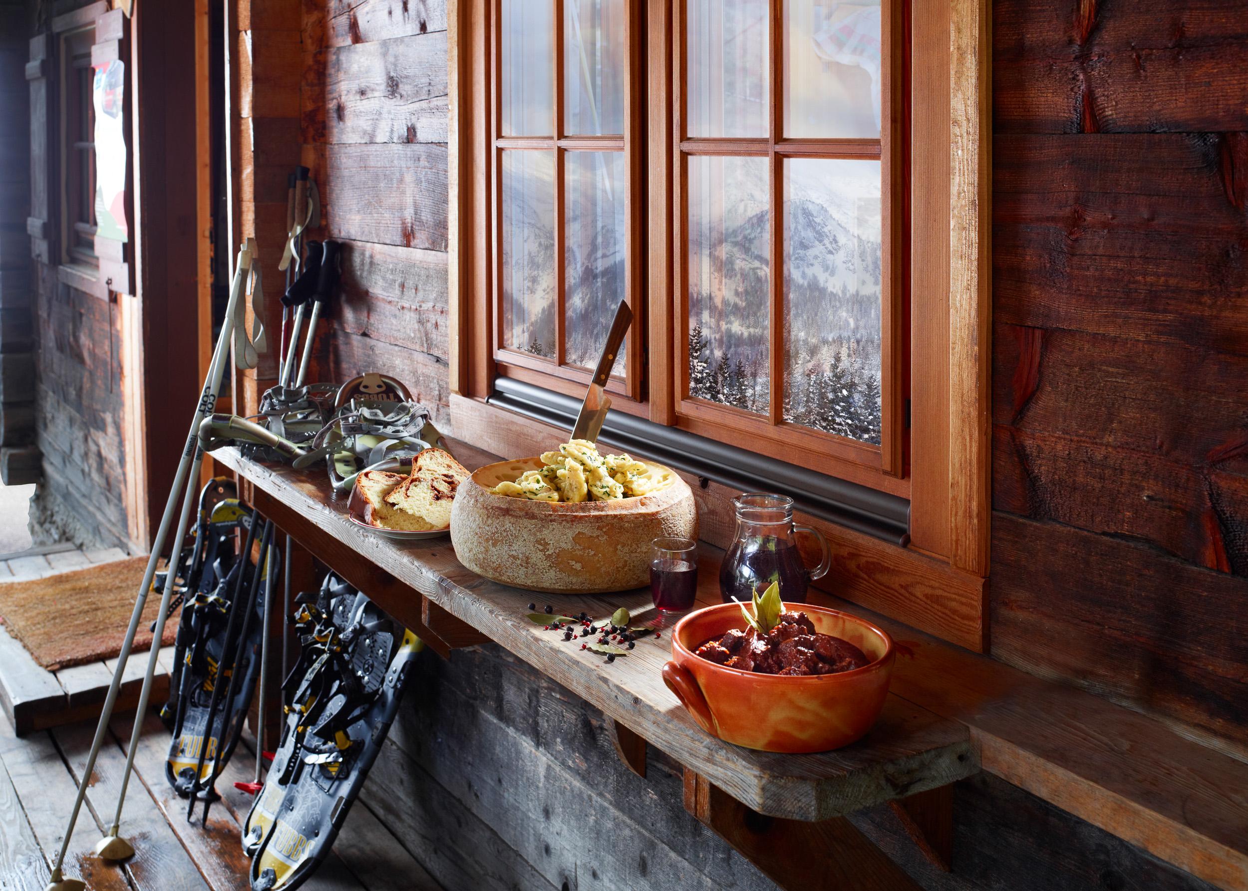 Gourmet im Schnee in der Region Bad Kleinkirchheim. Kulinarische Schneeschuhwanderung durch die Nockberge