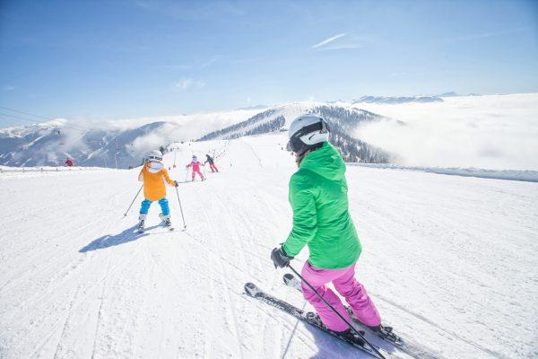 Skifahren_Familie © BRM - Mathias Praegant